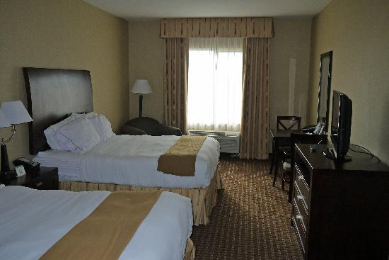 Holiday Inn Express Hotel and Suites Newport: Bedroom