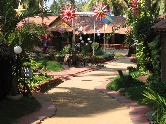 Kerala Bamboo House: The resort with garden