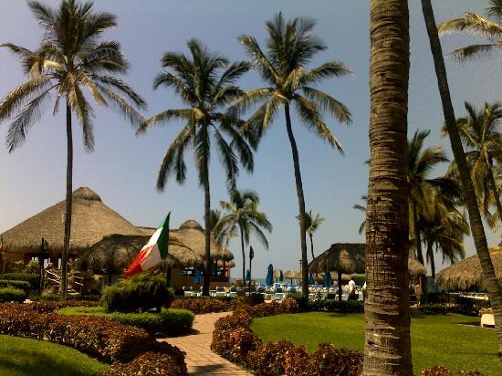 Torres Mazatlan Resort: The Grounds