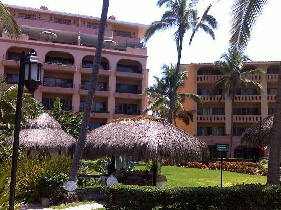 Torres Mazatlan Resort: Torres buildings