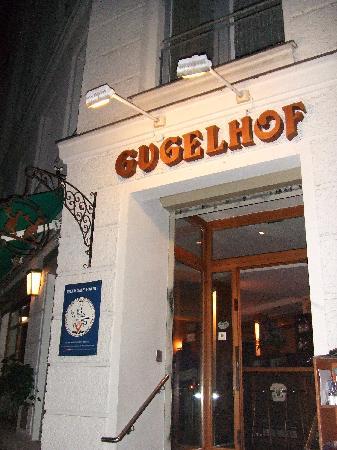 Gugelhof: Front