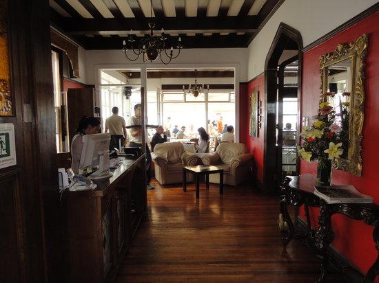 Cafe Turri: Vista de la sala principal