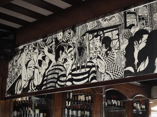 Cafe Turri: Grabados en las paredes