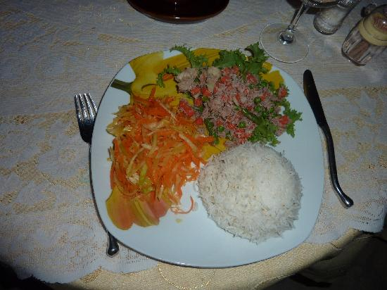 Anse-Kerlan Beach Chalets: La cuisine de Taciana