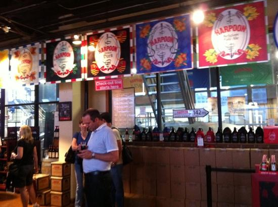 Harpoon Brewery & Beer Hall: brewery tour