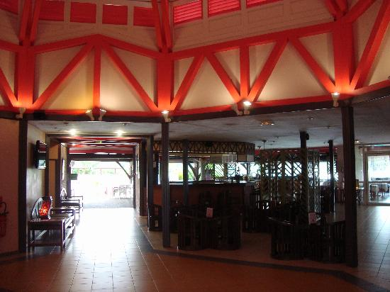 Mercure Kourou Ariatel : Lobby, open air.