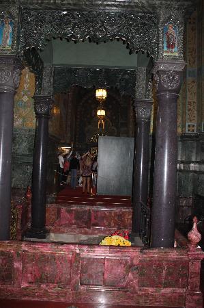โบสถ์แห่งหยดพระโลหิตพระผู้ไถ่: place of Czar Alexander II's assassination