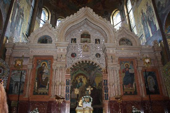 โบสถ์แห่งหยดพระโลหิตพระผู้ไถ่: iconostasis