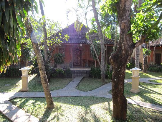 โรงแรมไอดา: bungalow