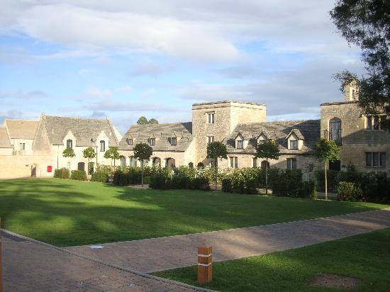 Ellenborough Park: Courtyard building with rooms