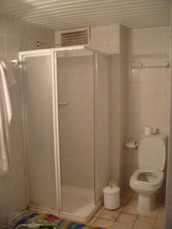 Happy Apart Hotel: Bathroom