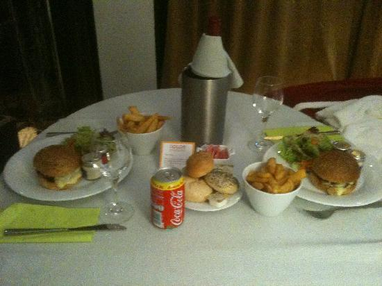 Dolce la Hulpe Brussels: Room service