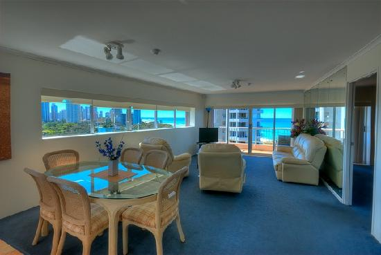 Narrowneck Court: Dining Room