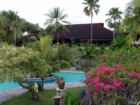 โรงแรมซานติกาพรีเมียซีไซด์รีสอร์ทมานาโด: Santika Resort - )Pool