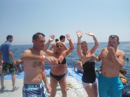 Mexicana Sharm Resort: dancing on coral beach