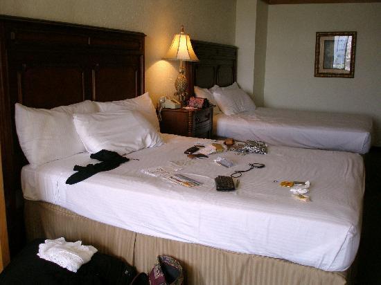 El Cortez Hotel & Casino: comfy beds and pillows