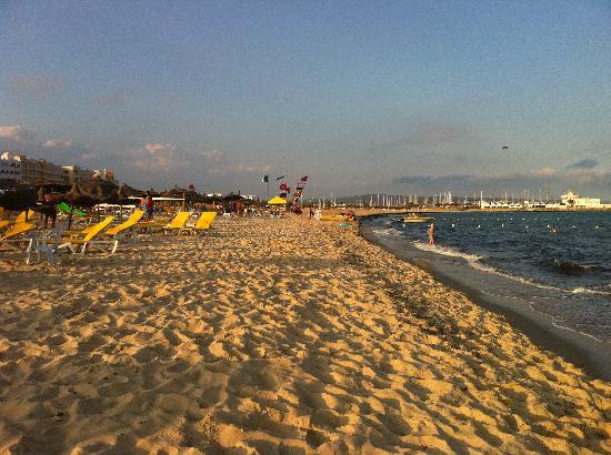 Chich Khan: The beach
