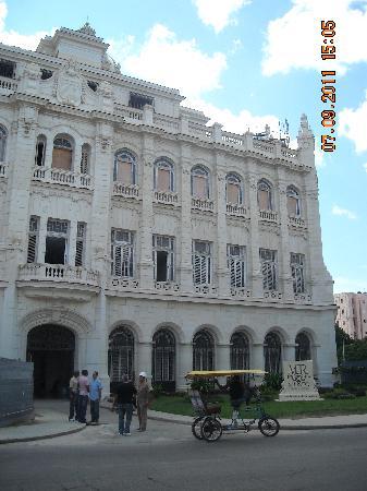 Museum of the Revolution (Museo de la Revolucion): Museo de la Revolución