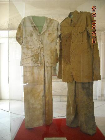 Museum of the Revolution (Museo de la Revolucion): Museo de la Revolución_Ropa de los revolucionarios