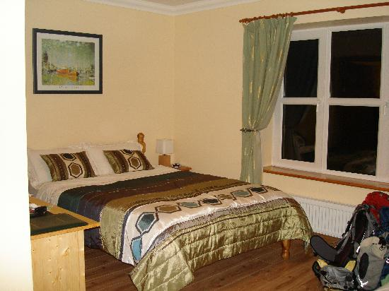 Bunratty Haven Bed and Breakfast: Cmfortable bed