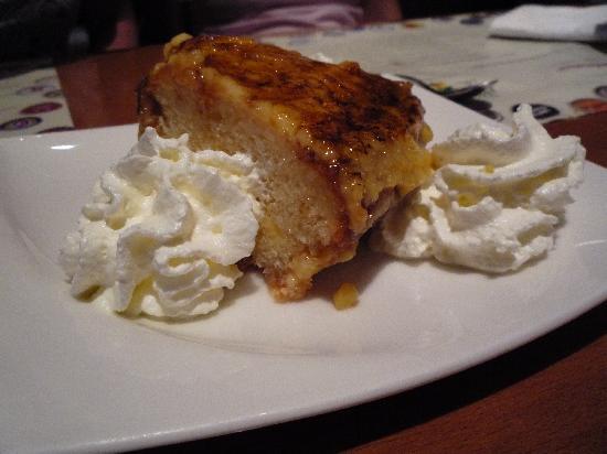 Ciudad Condal Restaurant: A house dessert.