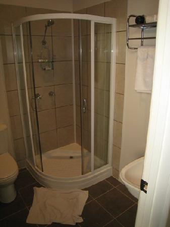 Tuck Inn Yarra Valley: Bathroom