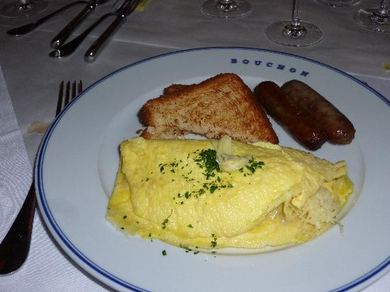 Bouchon: Omelet with sausage, see the crab peeking out of the omelet