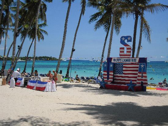 Dreams La Romana Resort & Spa: BBQ on the beach