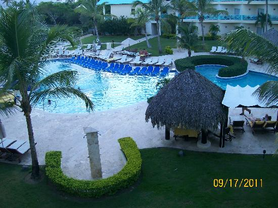 Dreams La Romana Resort & Spa: Over looking preferred club pool from our room