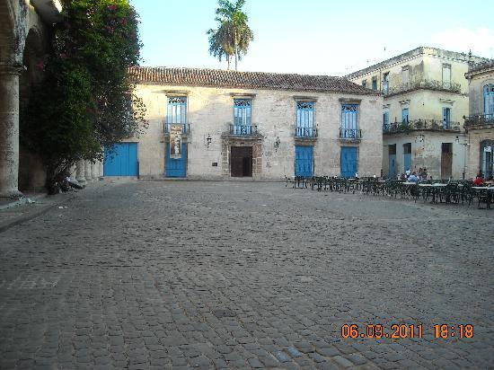 จตุรัสสาธารณะ: Plaza de la Catedral_Museo de Arte Colonial