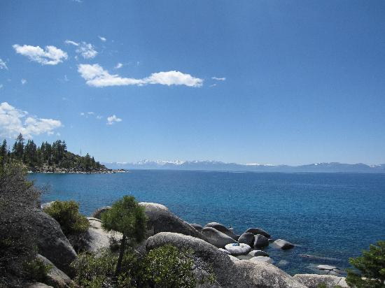 Taylor Creek Visitor Center: Lake Tahoe scenery