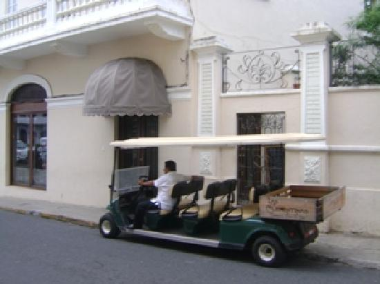 Las Clementinas Cafe & Bar: Your Chariot To Tour Casco Antiguo