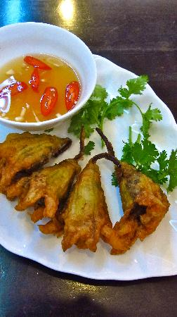 Papaya by Chi Nghia: Stuffed Zuchinni Flower - tasty french vietnamese fusion