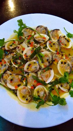 Papaya by Chi Nghia: Passion Fruit Clams - simple succulent and successful combination