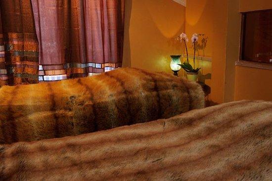 Signature Day Spa: Vanilla Coconut Shea Massage