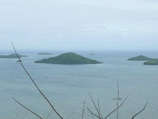 Caramoan, ฟิลิปปินส์: View from atop Mt Caglago. Catanduanes Is can be seen on a clear day.