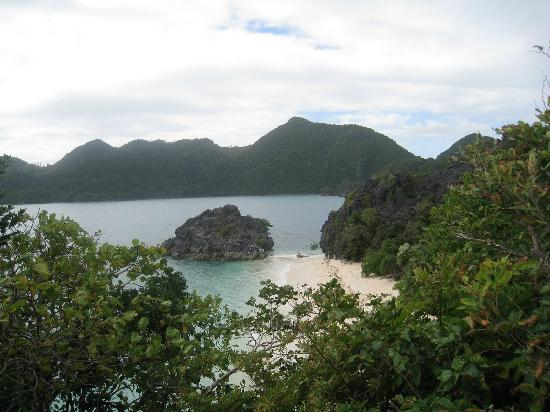 Caramoan, Filipina: View from atop the jagged rocks of Matukad Is.