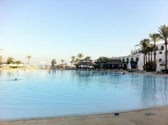 Savoy Sharm El Sheikh: pool bar