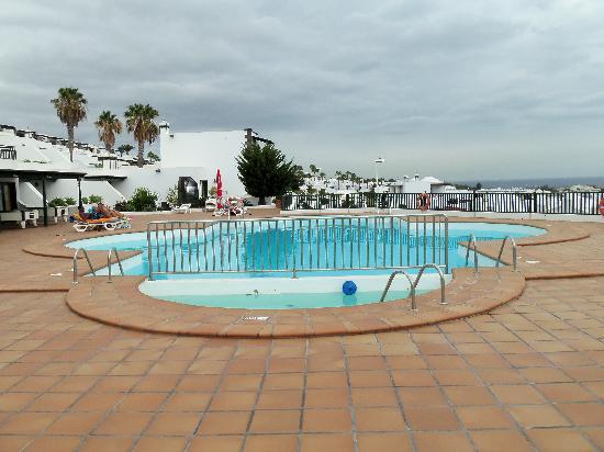 Los Pueblos Apartments: Swimmingpool area