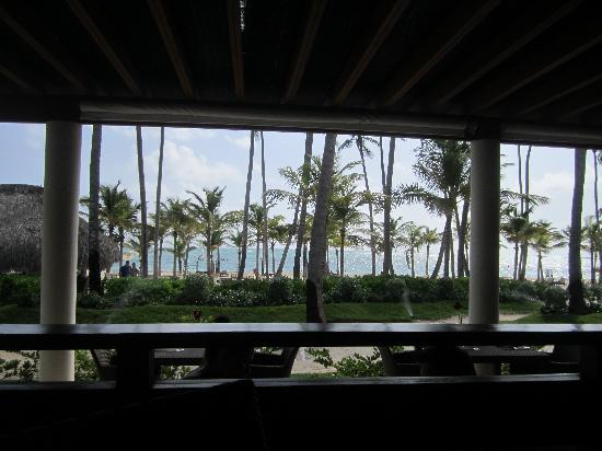 Secrets Royal Beach Punta Cana: buffet avec belle vue mer