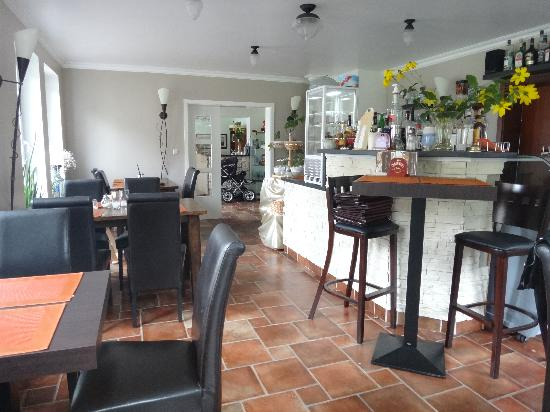 Dorothea Garni: Dining Area