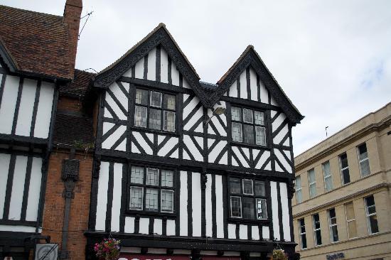 Premium Tours - London Tours: Shakespeare's Pub?