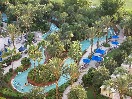 Omni Orlando Resort at Championsgate: An awesome view of the lazy river from our room.