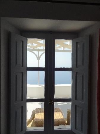 Lilium Villas: View through the windows in our room