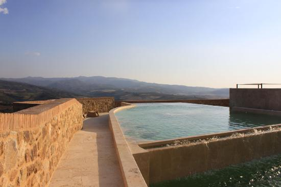 Castello di Velona Resort, Thermal Spa & Winery: the upper pool