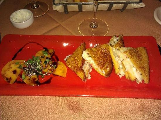 Pamplemousse Grille: Lobster Grilled Cheese Sandwich