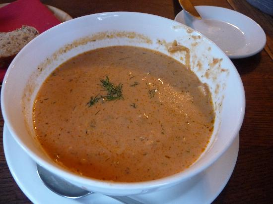 Robin's Restaurant: Excellent Salmon Bisque soup!