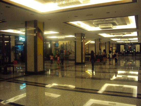Imperial Palace Hotel: hotel's lobby