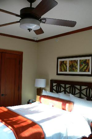 Koloa Landing Resort at Poipu, Autograph Collection: One of the 3 bedrooms