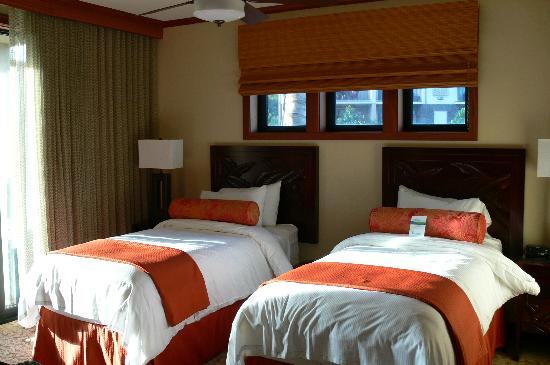 Koloa Landing Resort at Poipu, Autograph Collection: Another bedroom